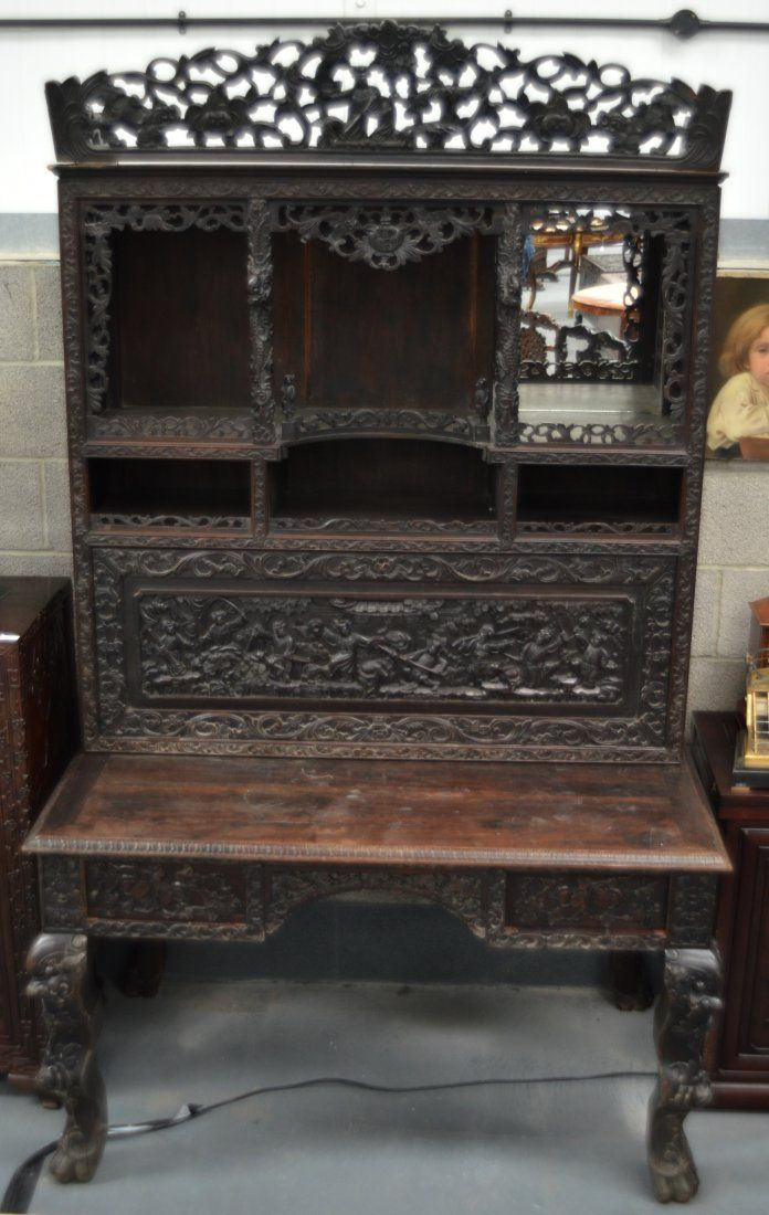 A VERY LARGE 19TH CENTURY CHINESE CARVED HARDWOOD