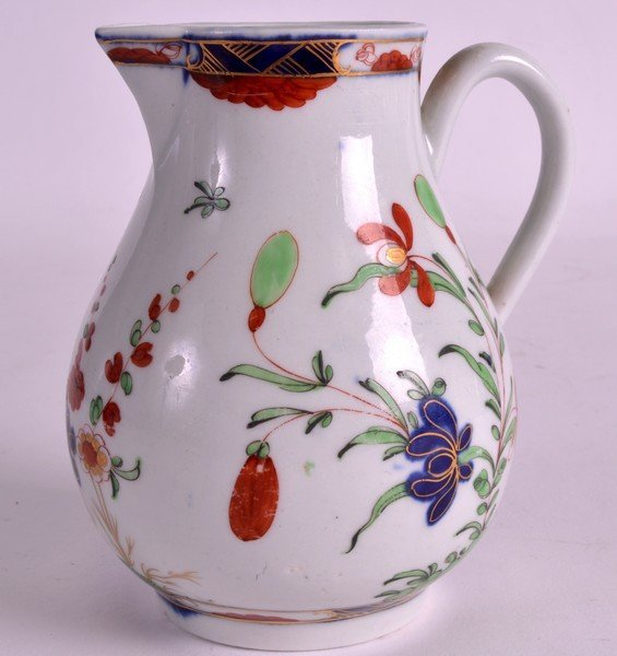 AN 18TH CENTURY WORCESTER SPARROWBEAK JUG painted with