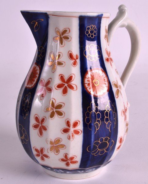 AN 18TH CENTURY WORCESTER SPARROWBEAK JUG of facetted