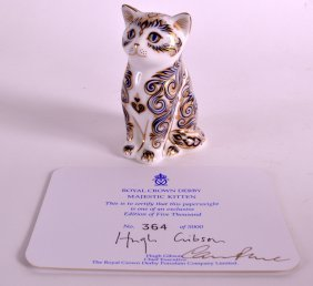 A Royal Crown Derby Majestic Kitten Paperweight With