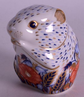 A Boxed Royal Crown Derby Paperweight 'poppy Mouse'.