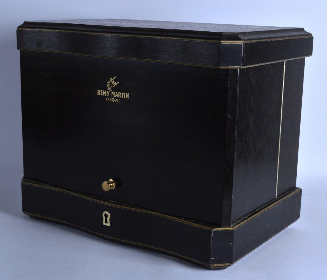 AN UNUSUAL VINTAGE REMY MARTIN COGNAC DECANTER BOX. 1Ft