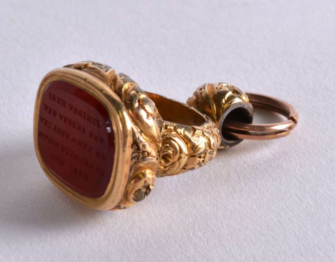 A MID 19TH CENTURY YELLOW GOLD AND AGATE FOB SEAL the