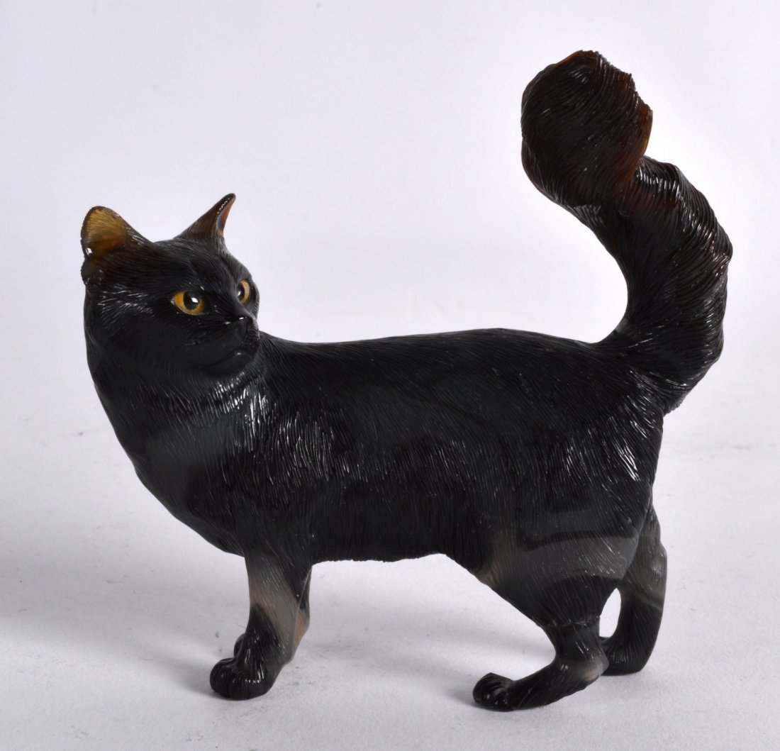 A FINE RUSSIAN CARVED AGATE FIGURE OF A CAT in the