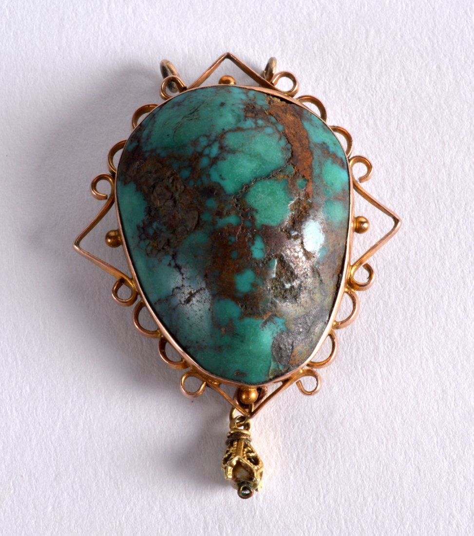 A LARGE 1940S YELLOW GOLD AND NATURAL TURQUOISE