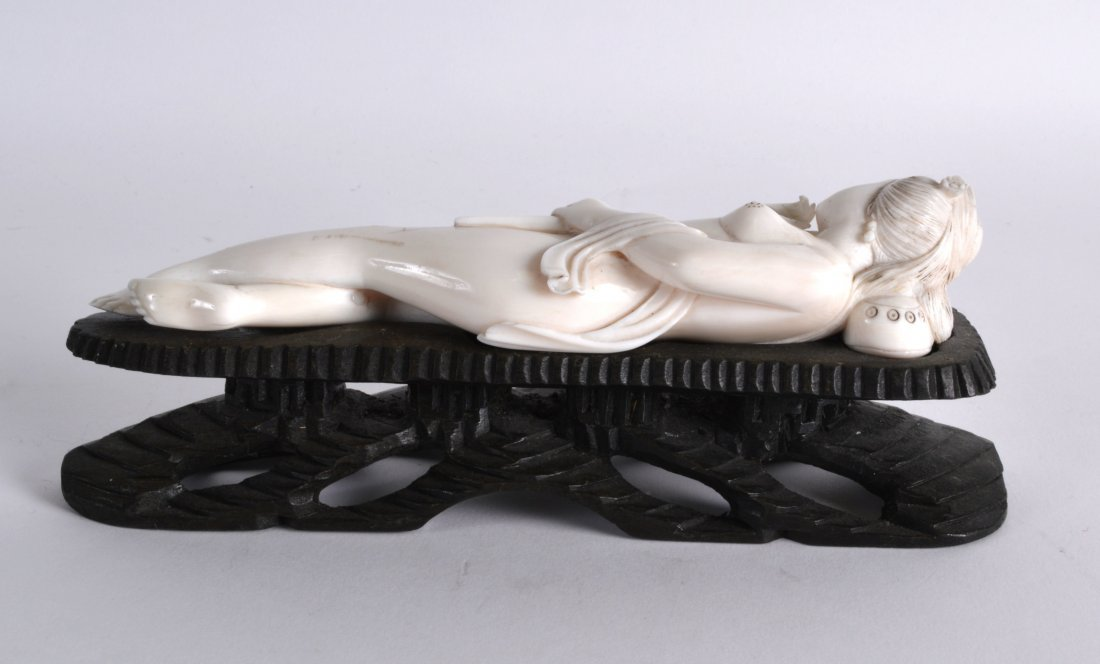 A LATE 19TH CENTURY CHINESE CARVED IVORY MEDICINE DOLL - 2