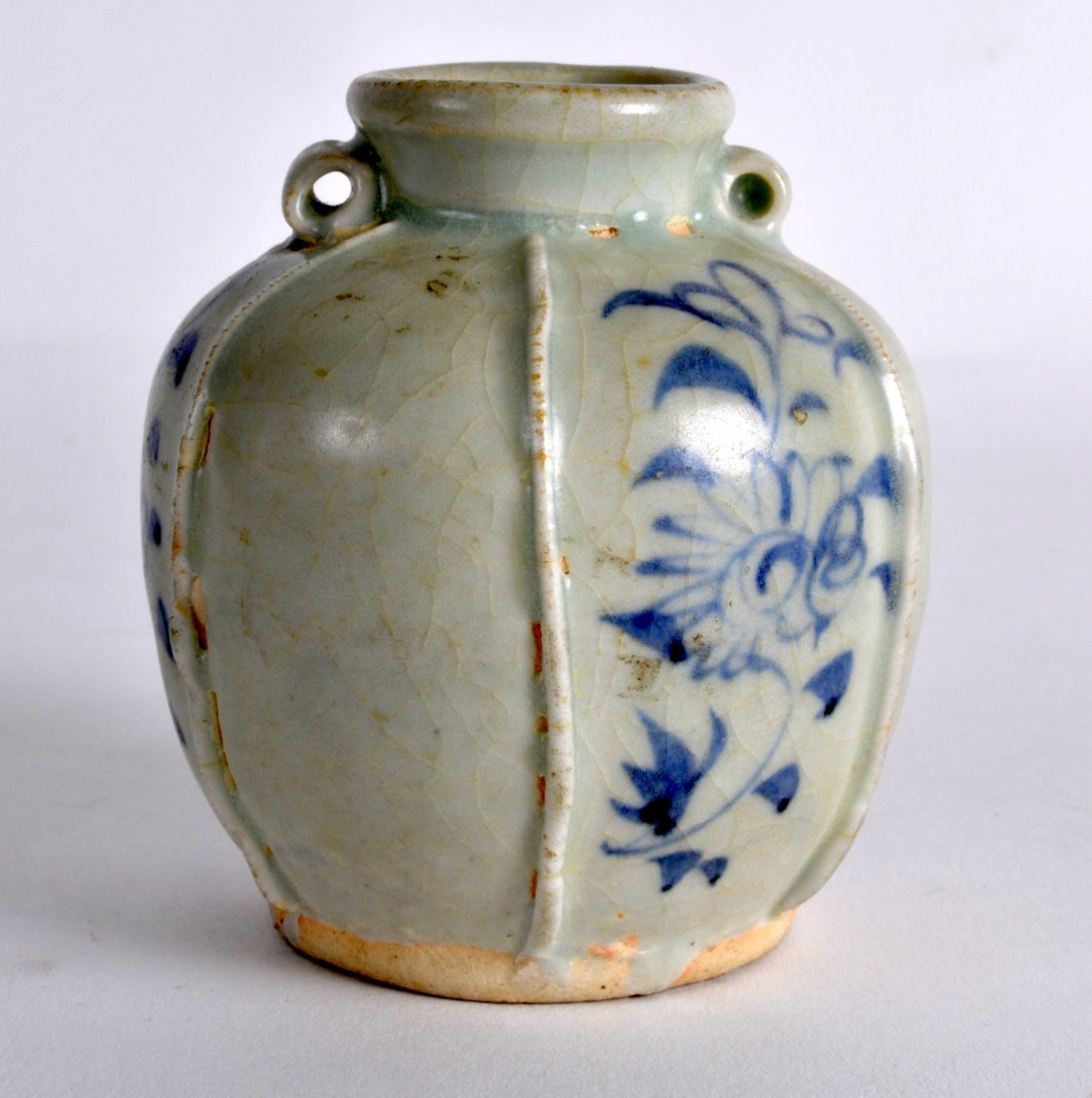 A CHINESE YUAN DYNASTY BLUE AND WHITE JARLET painted