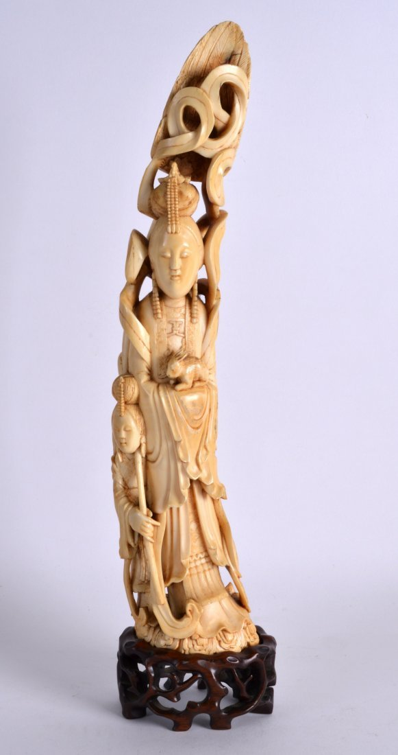 A GOOD 19TH CENTURY CARVED IVORY FIGURE OF AN IMMORTAL