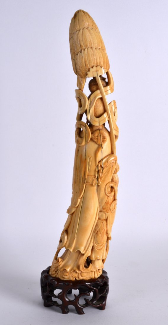 A GOOD 19TH CENTURY CARVED IVORY FIGURE OF AN IMMORTAL - 2