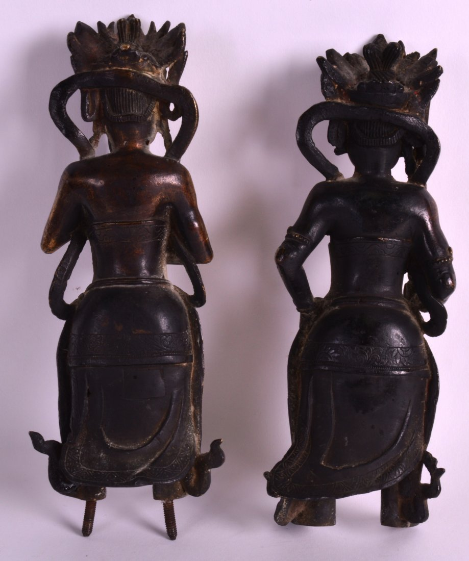 A GOOD PAIR OF 17TH/18TH CENTURY CHINESE GILT BRONZE - 2