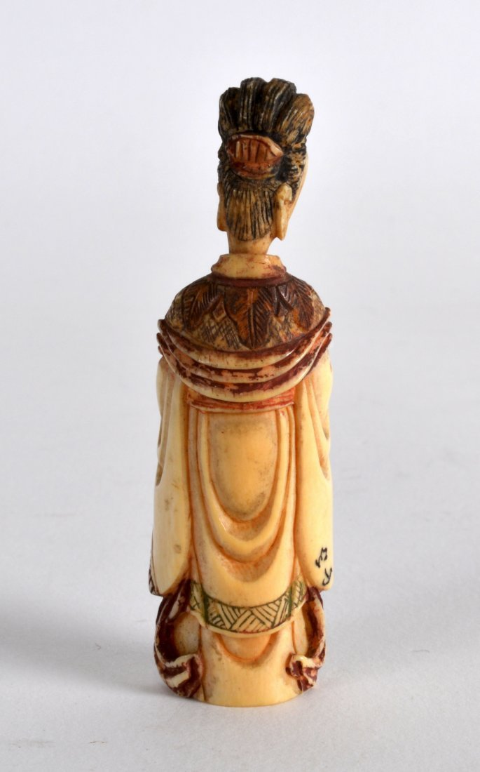 A LATE 19TH CENTURY CHINESE CARVED IVORY SNUFF BOTTLE - 2