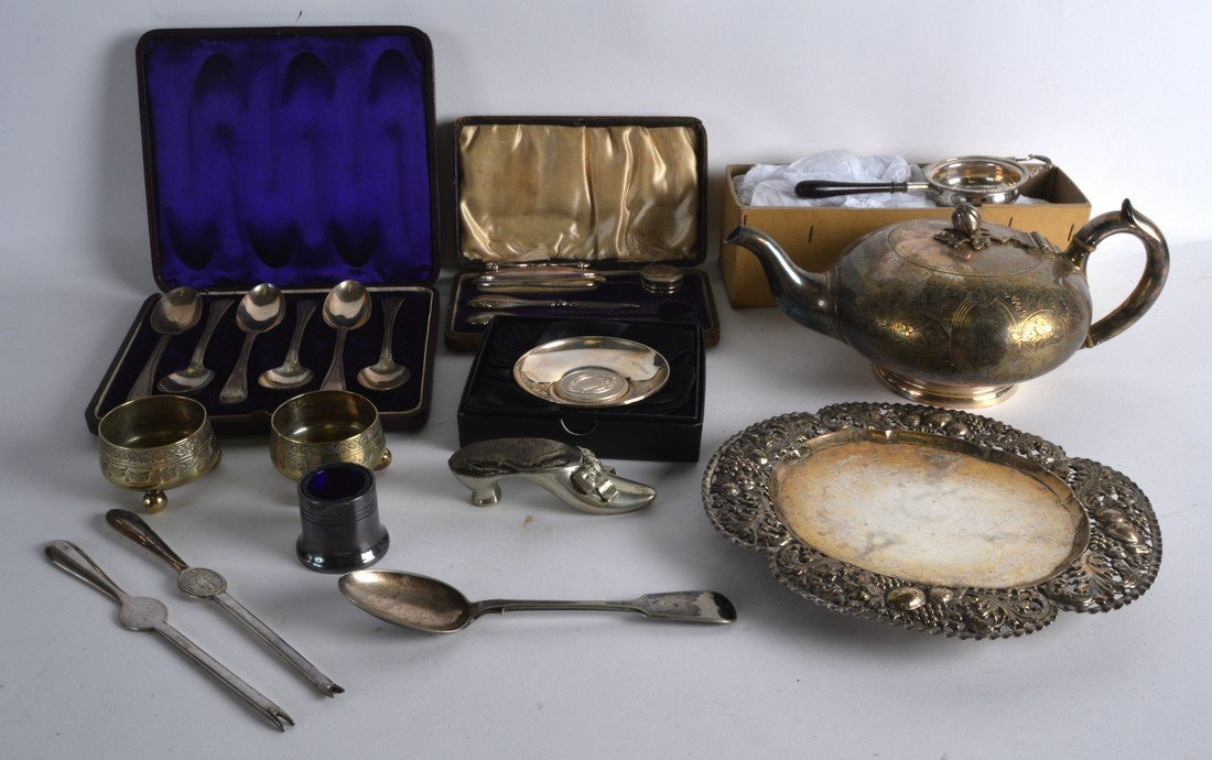 A CASED SET OF VICTORIAN SILVER SPOONS Exeter 1875,