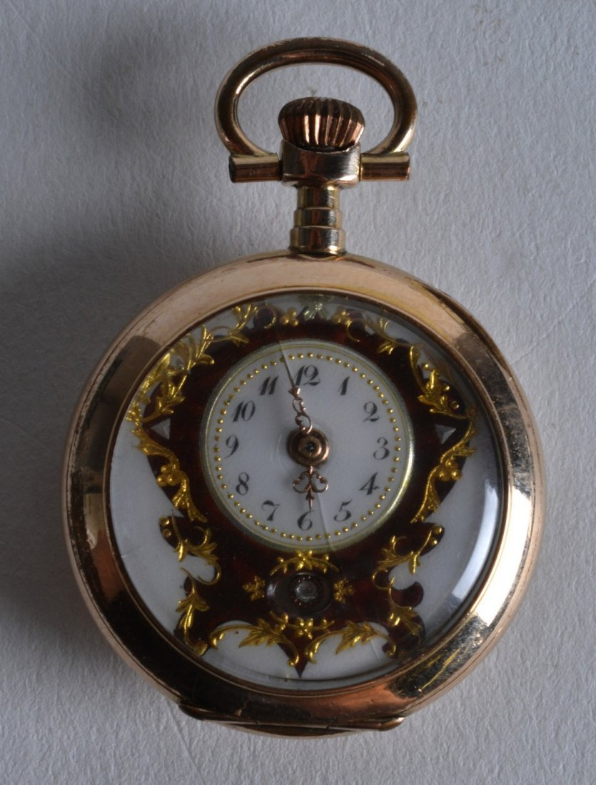 A SMALL 18CT YELLOW GOLD SWISS ENAMEL FOB WATCH with