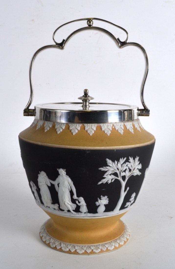 AN UNUSUAL WEDGWOOD TWO TONE JASPERWARE BISCUIT BARREL