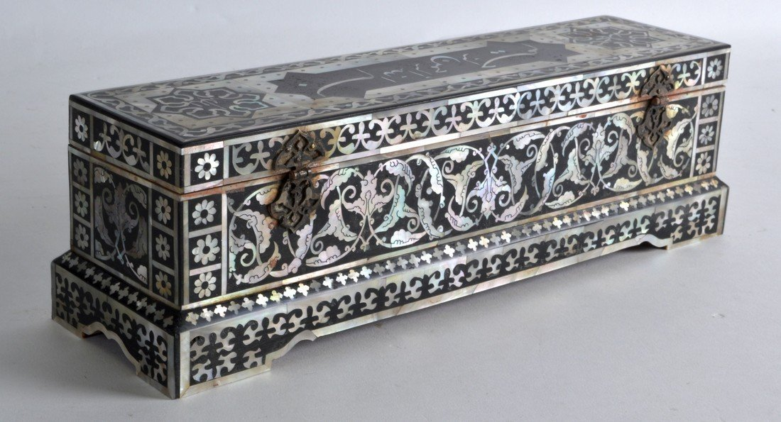 AN INDIAN INLAID WOOD PEN BOX decorated in mother of