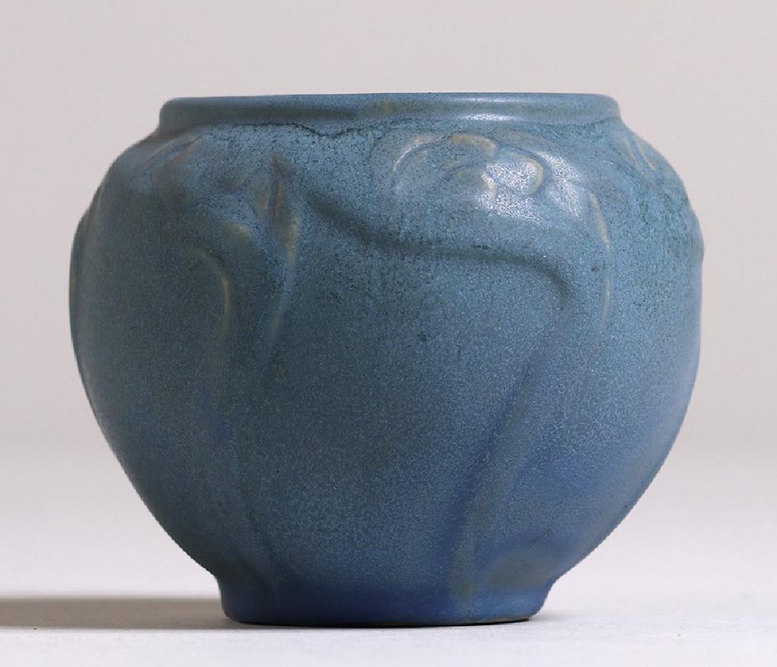 Early Van Briggle #695 Dark Matte Blue Vase c1908-1911 - 3