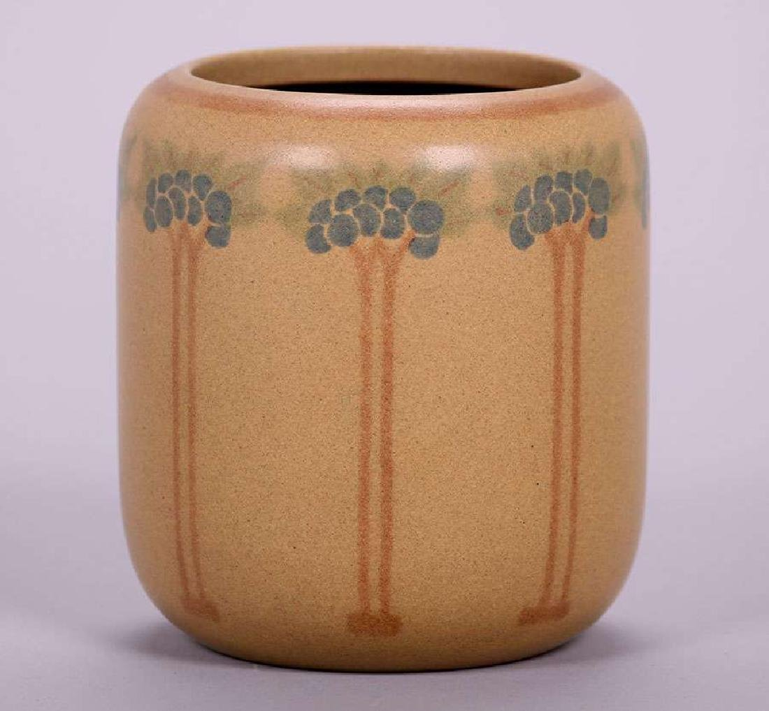 Marblehead Pottery vase decorated by Hannah Tutt dated