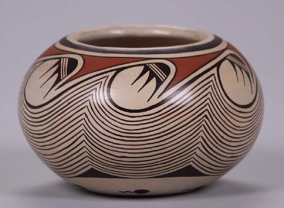 Sylvia Naha (1951-1999) Hopi spherical vase