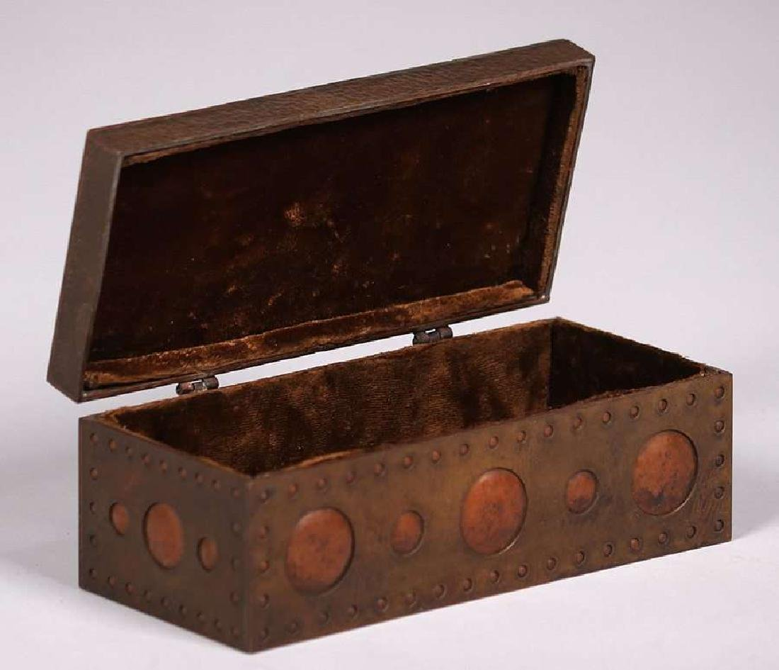 Arts & Crafts Hammered Copper & Brass Box c1910 - 2