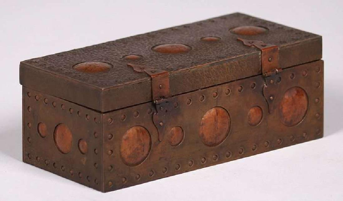 Arts & Crafts Hammered Copper & Brass Box c1910 - 3