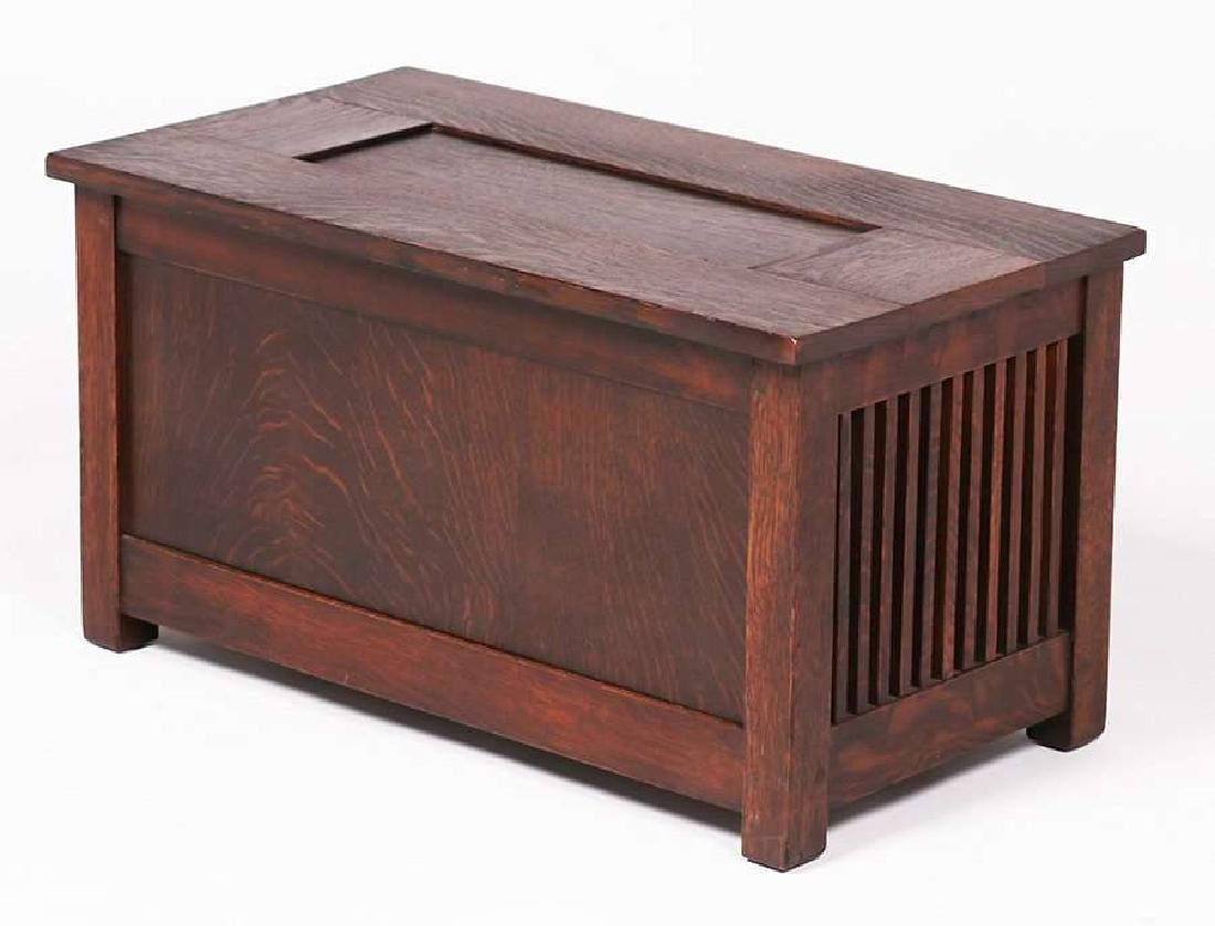 Gustav Stickley Spindled Shirt Box c1910 - 2