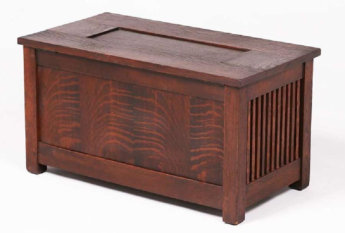 Gustav Stickley Spindled Shirt Box c1910 - 3