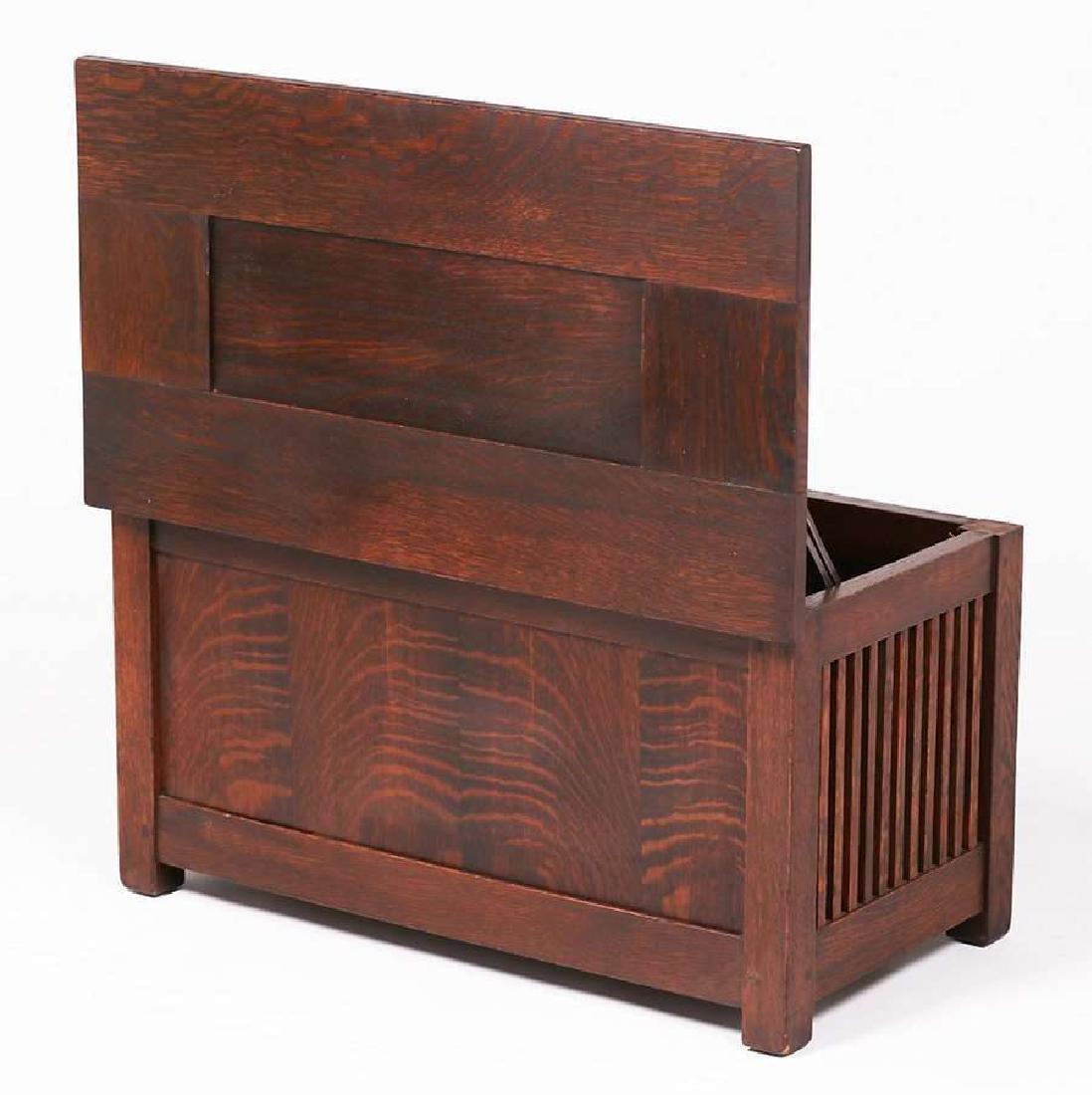 Gustav Stickley Spindled Shirt Box c1910 - 4