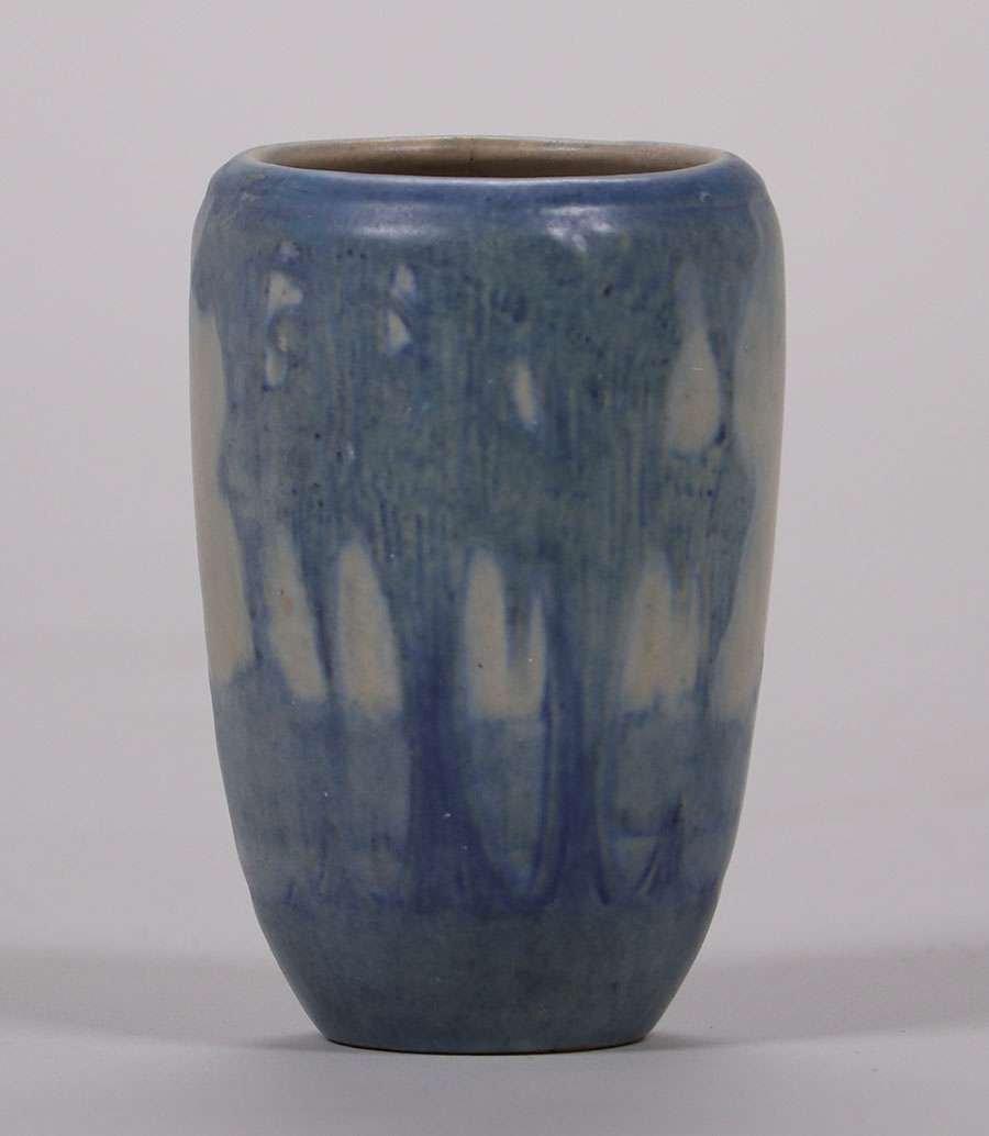 Newcomb College Scenic Cabinet Vase