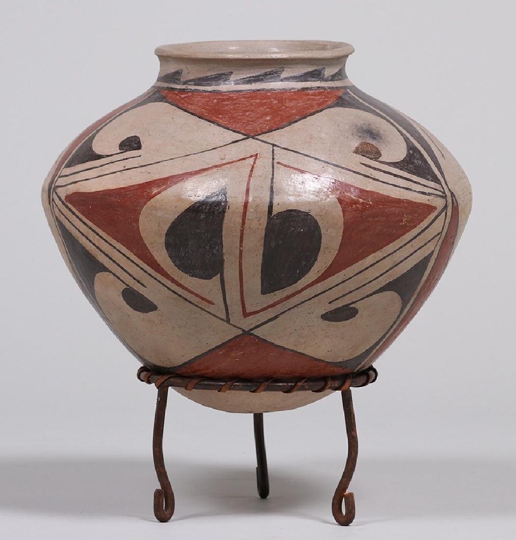 Large Pueblo Casa Grande Storage Jar