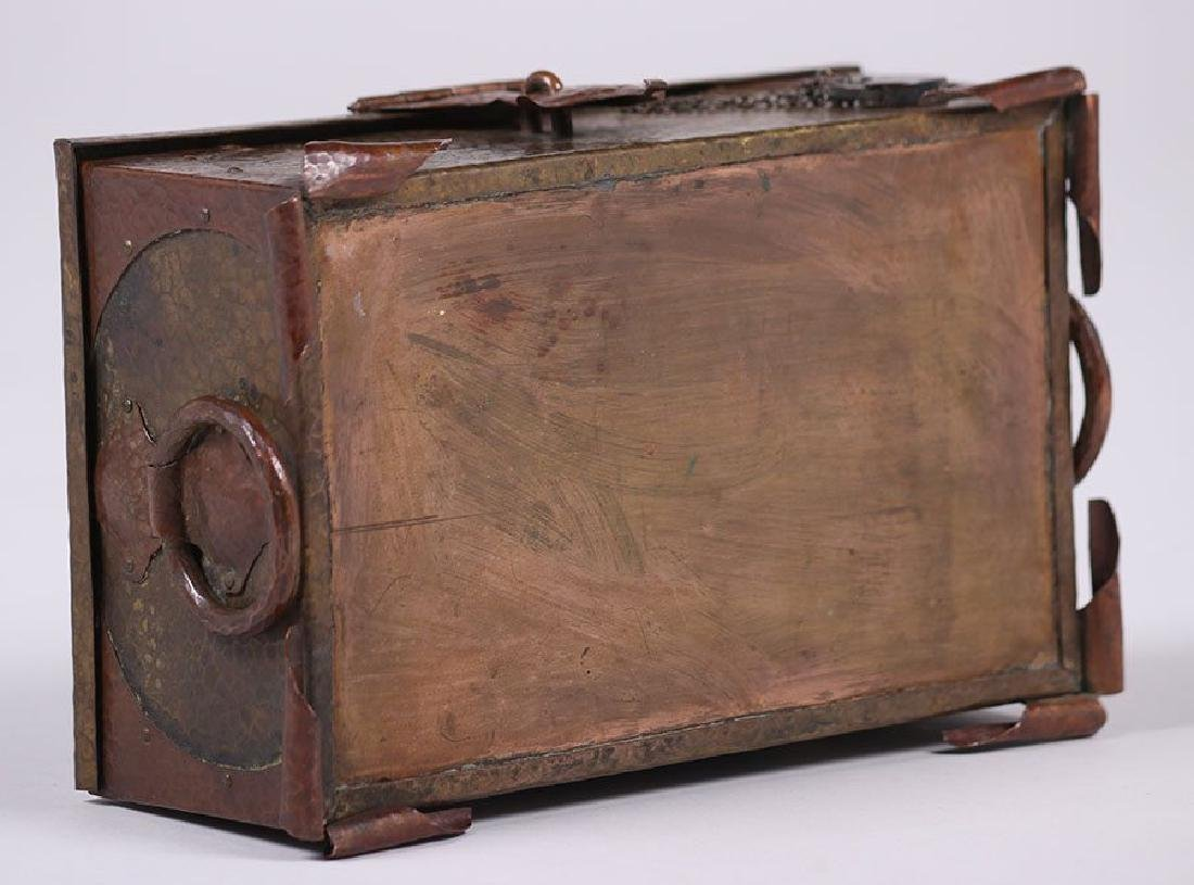 Arts & Crafts Hammered Copper and Brass Box - 4