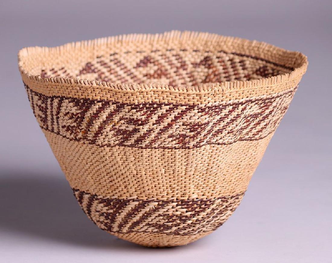 Native American basket - Maidu tribe