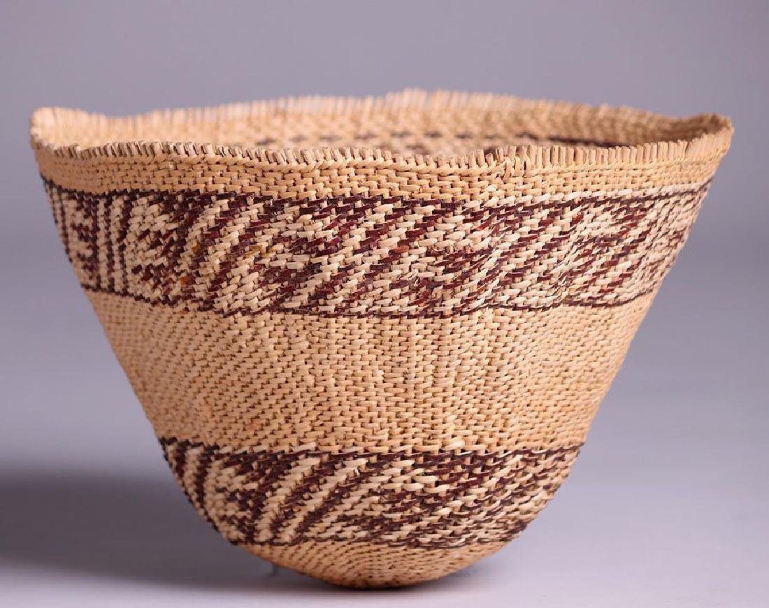 Native American basket - Maidu tribe - 3