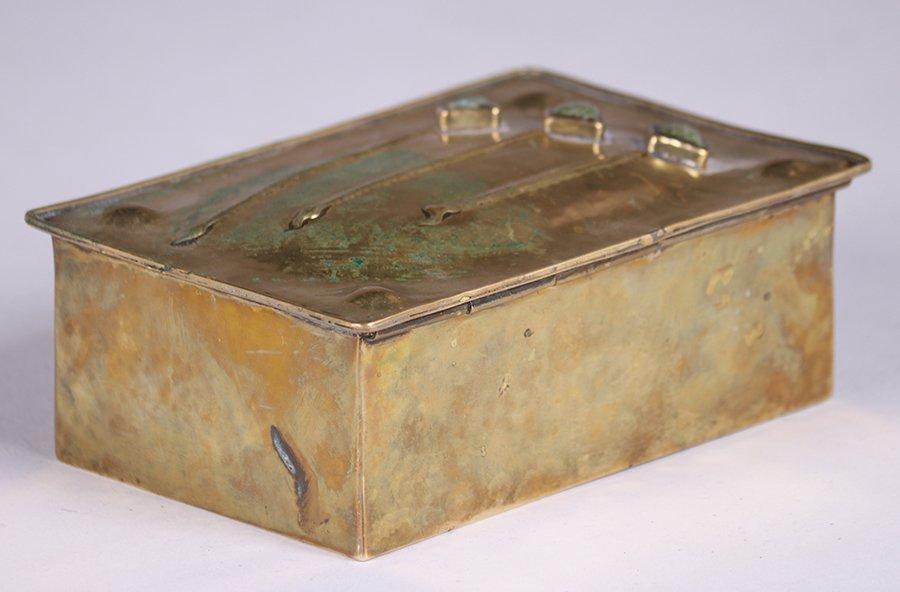 Arts & Crafts Hammered Brass Box c1910 - 3
