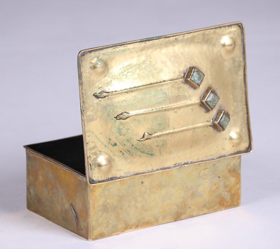 Arts & Crafts Hammered Brass Box c1910 - 4