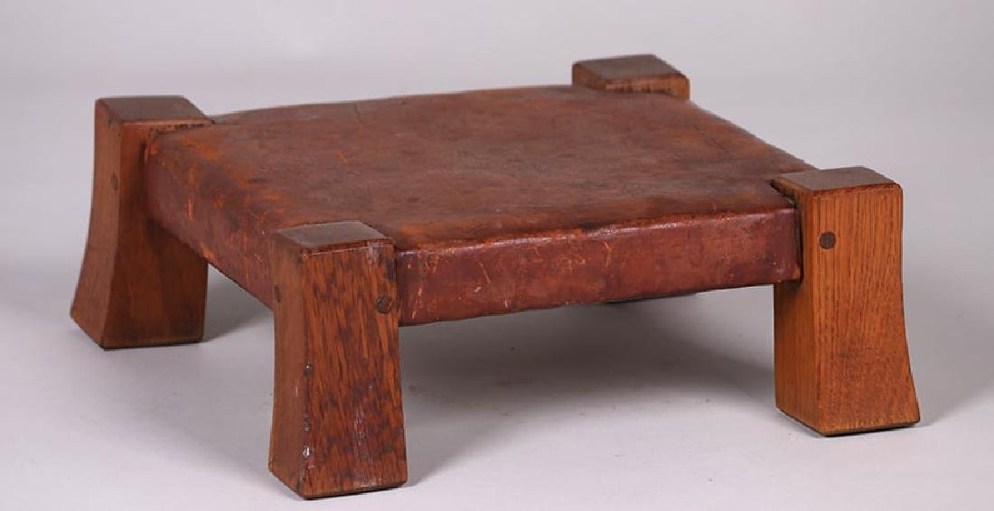 Gustav Stickley Monk Footstool c1905-1910 - 2