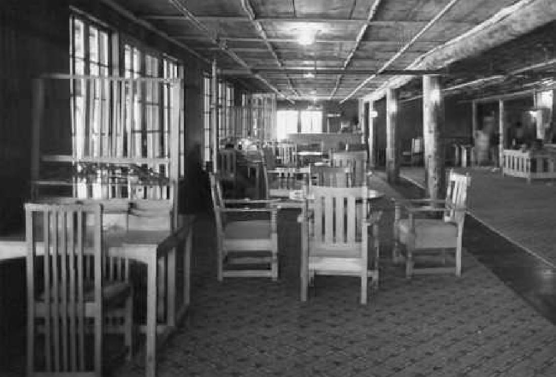 Set of 4 Limbert Spindled Chairs Yellowstone Lodge - 7