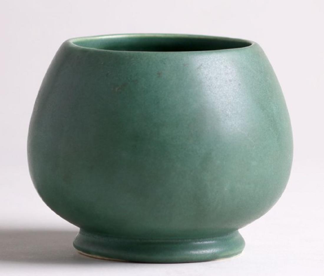 Roseville Matte Green Vase