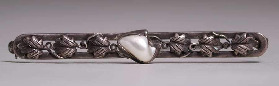 Arts & Crafts Sterling Maple Leaf & Pearl Bar Pin c1905