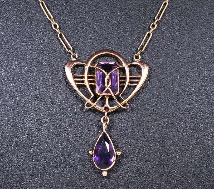 Murrle Bennett & Co 9ct Gold & Amethyst Necklace c1900