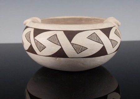 Acoma Black-On-White Pottery Bowl / Ashtray