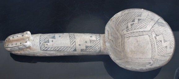 Giant, mint Anasazi Mesa Verde ladle / rattle