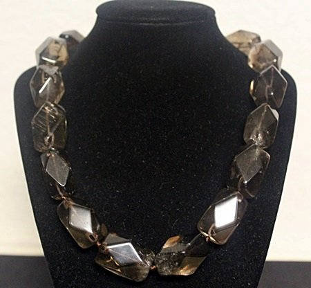 Beautiful Quartz Necklace (16ZF)