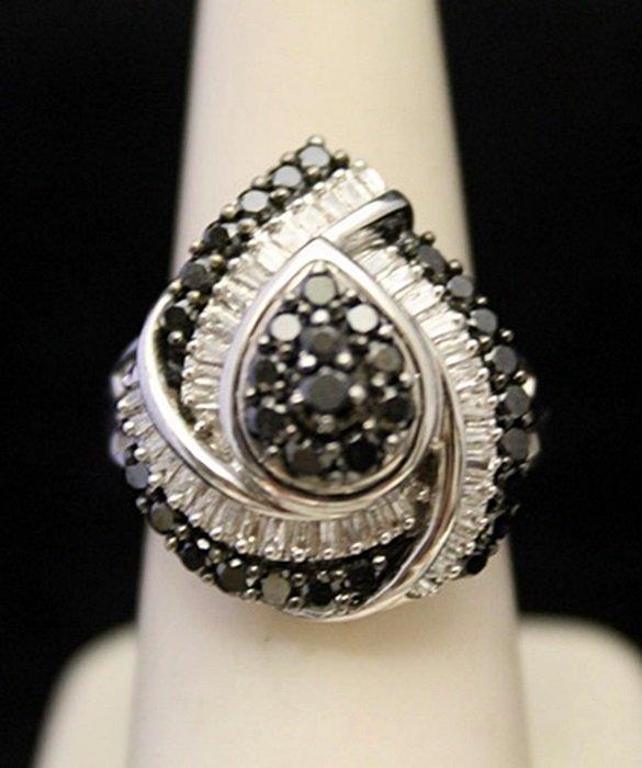 Gorgeous Silver Ring with Black & White Diamonds (3J)