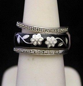 Gorgeous Silver Trio Ring with Diamonds