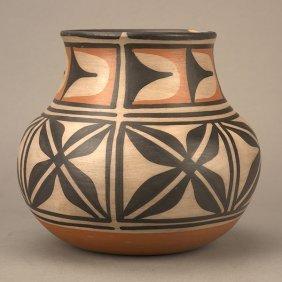 9: Robert Tenorio (b.1950), Water Jar