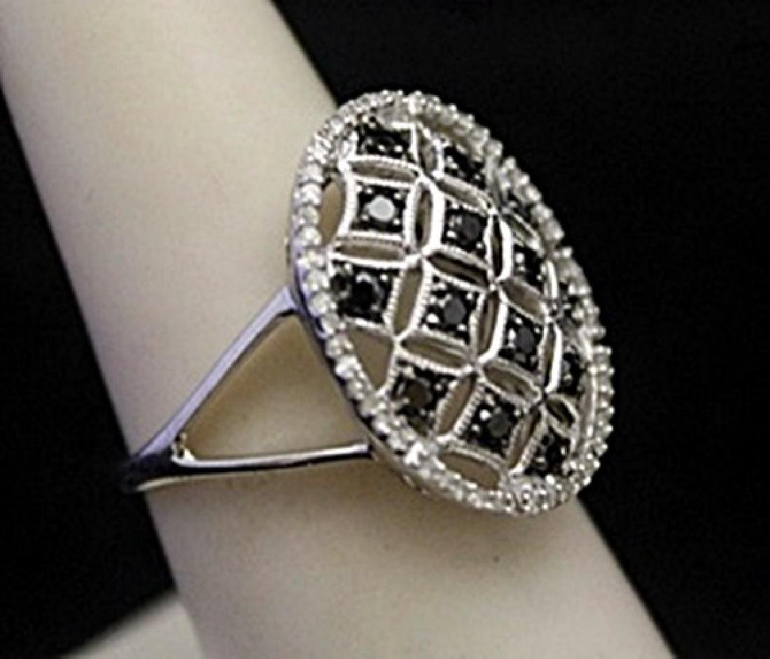 Gorgeous Antique Style Silver Ring with Black & White - 2