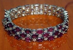 Beautiful Sterling Silver Bracelet with Ruby and