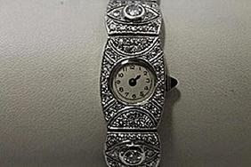 Elegant Antique 18kt White Gold Diamonds Watch