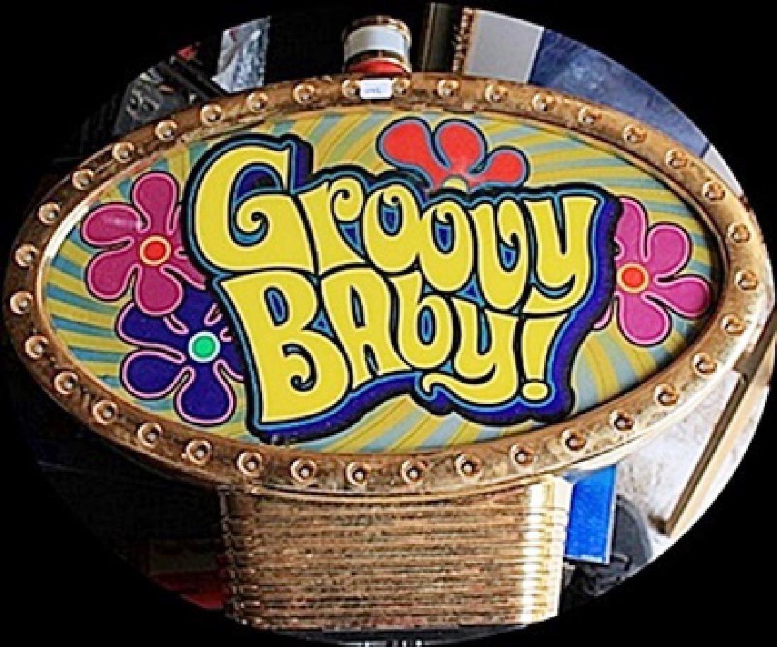 """Vintage """"Groovy Baby"""" Casino Slots Topper. (N)"""