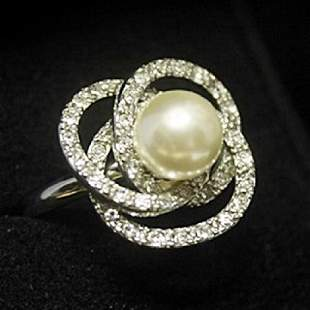 Elegant Flower Broka Pearl Sapphire Silver Ring